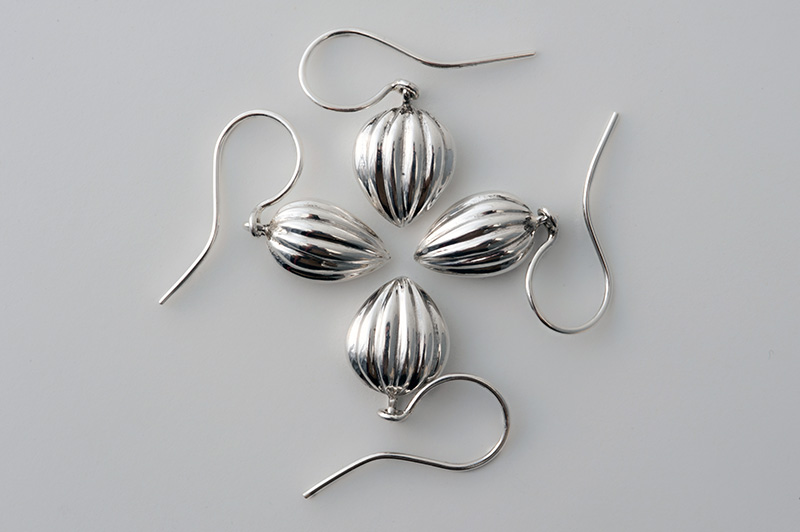 Fluted drop earrings